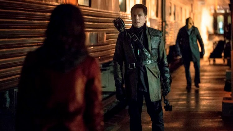 "John Barrowman Talks ARROW Season 3 And Teases Malcolm Merlyn's ""Resurrection"""