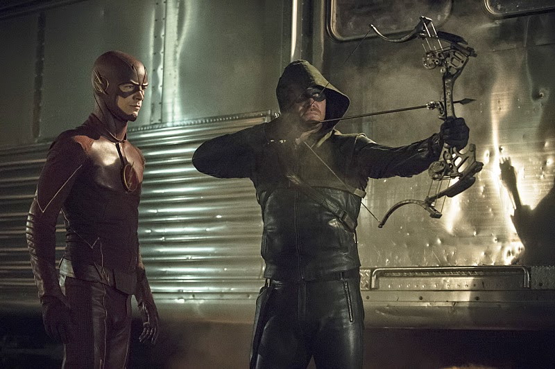 Extended Promo For Next Week's ARROW/THE FLASH Crossover Teases Epic Showdown Between Heroes