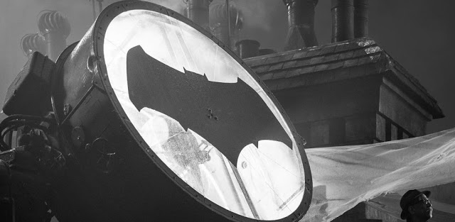 JUSTICE LEAGUE Director Zack Snyder Reveals First Look at J.K. Simmons as Commissioner Gordon